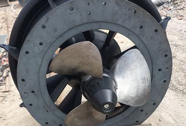 Lucense - in costruzione - elica turbina Kaplan